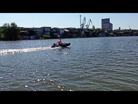 Испытания Tomking TK200RE. Лодка Energy 3.2 метра. Килевая. 1 человек (90-95 кг) + догруз 20 кг.