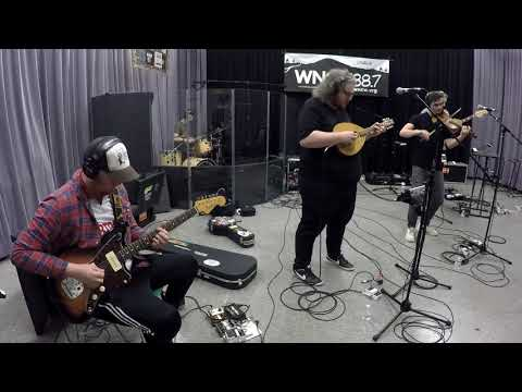"""Elephant Sessions - """"What Makes You"""" Mp3"""