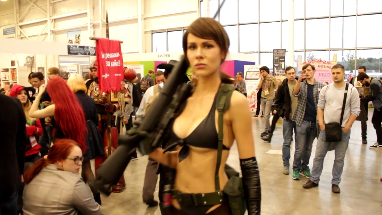 Quiet Metal Gear Solid V Cosplay At Comic Con 2017 Youtube