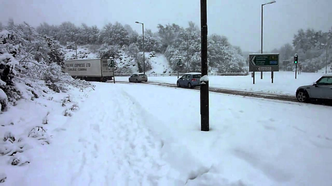 East Kilbride,Whirlies in the snow - YouTube