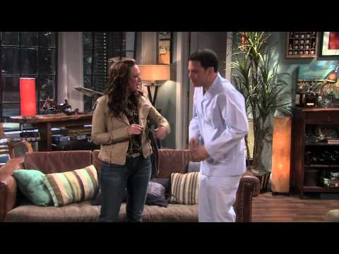 The Exes: Leah Remini as David Alan Basche's Sister