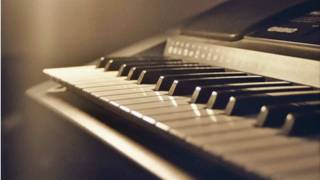 3 Sud Est - Clipe (Classic version) piano