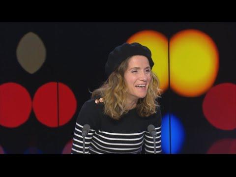 فرانس 24:100% Pure Parisian: Comedian Julie Collas helps locals laugh at themselves