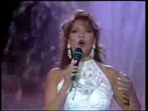 Angela Carrasco - Lo quiero a morir Lyrics | Musixmatch