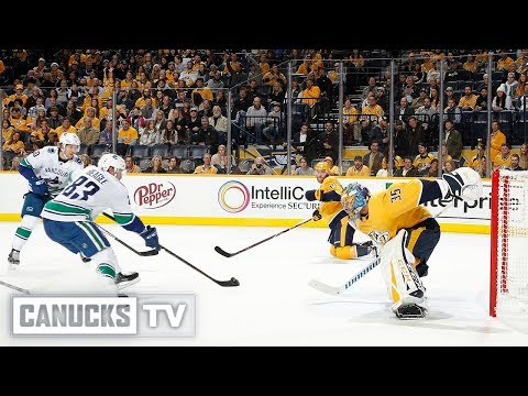 Jay Beagle Scores His First Goal as a Canuck at Predators (Dec. 13, 2018)
