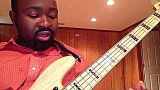 "Israel Houghton - ""All Around"" Bass Intro (Gedeon Longtchi)"