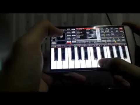 Cheliya Cheliya song from Yevadu movie playing piano by WKK