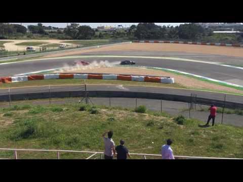 Ferrari Crash Estoril 8 Abril 2017