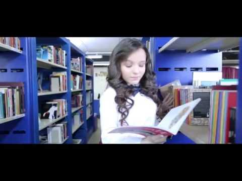 Larissa Manoela-Garoto errado