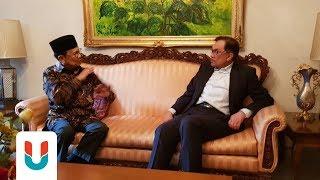 Download Video Anwar Ibrahim Berbincang dengan BJ Habibie MP3 3GP MP4