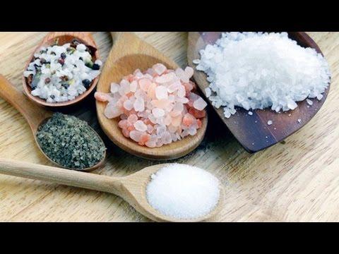 Какая соль полезна? Розовая, морская, каменная? Мнение диетолога