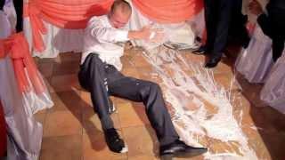 Казус на свадьбе. Уронили свадебный торт