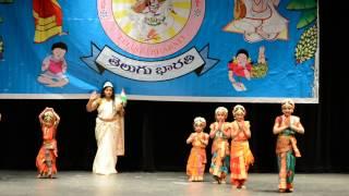 Abhista Sheela, Divya Poola with Team Kuchipudi dance - Jaya Jaya Priya Bharatha Janayitri