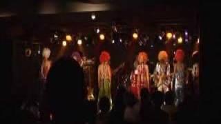 渋谷Aubeでのライブ2曲目です。 元歌はThree Degrees ワンマンライブな...