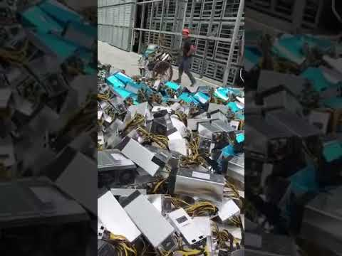 Bitcoin ASIC Miner Going to Trash