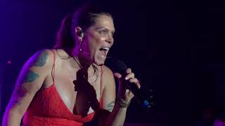 beth hart caught out in the rain