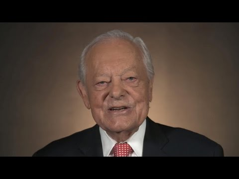 Bob Schieffer on odd moment at 1972 Democratic convention
