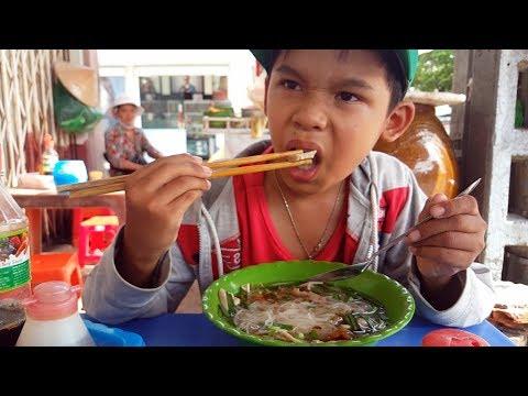 Vietnam Street Food 2017 - Delicious Vietnamese Noodle Soup - Hu Tieu Go - 동영상