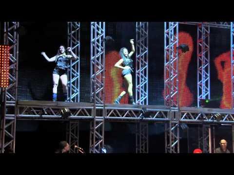 Naldo - Rebola / Linda Demais (DVD Na Veia Tour)