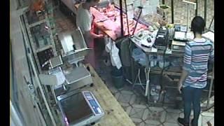 Cámaras de seguridad registran robo en carnicería de La Loma