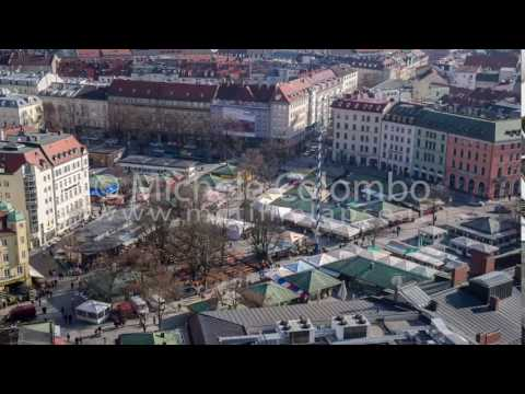 0049 - time lapse - People in the market in Munich - 4K