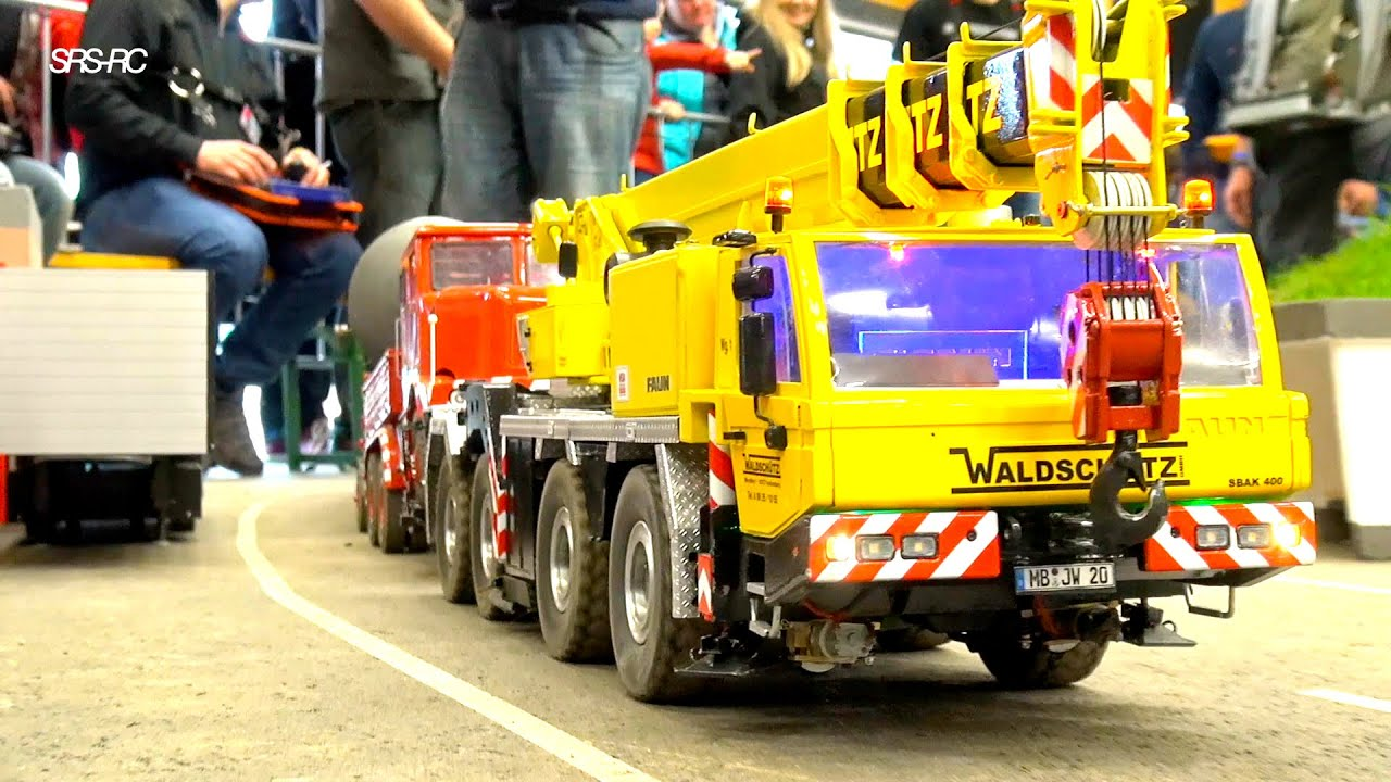BEST OF RC TRUCK ACTION IN THE MIX// RC LIEBHERR CRANE TOW RC TRUCK AWAY// BIG RC DIGGER KOMATSU
