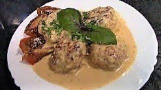 Тефтели из курицы в сметанном соусе ./Тефтели рецепт ./Тефтели с рисом ./Куриные тефтели .