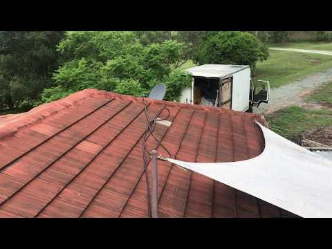 before-and-after-pressure-cleaning-the-roof
