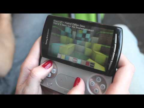 Minecraft gameplay on Xperia PLAY