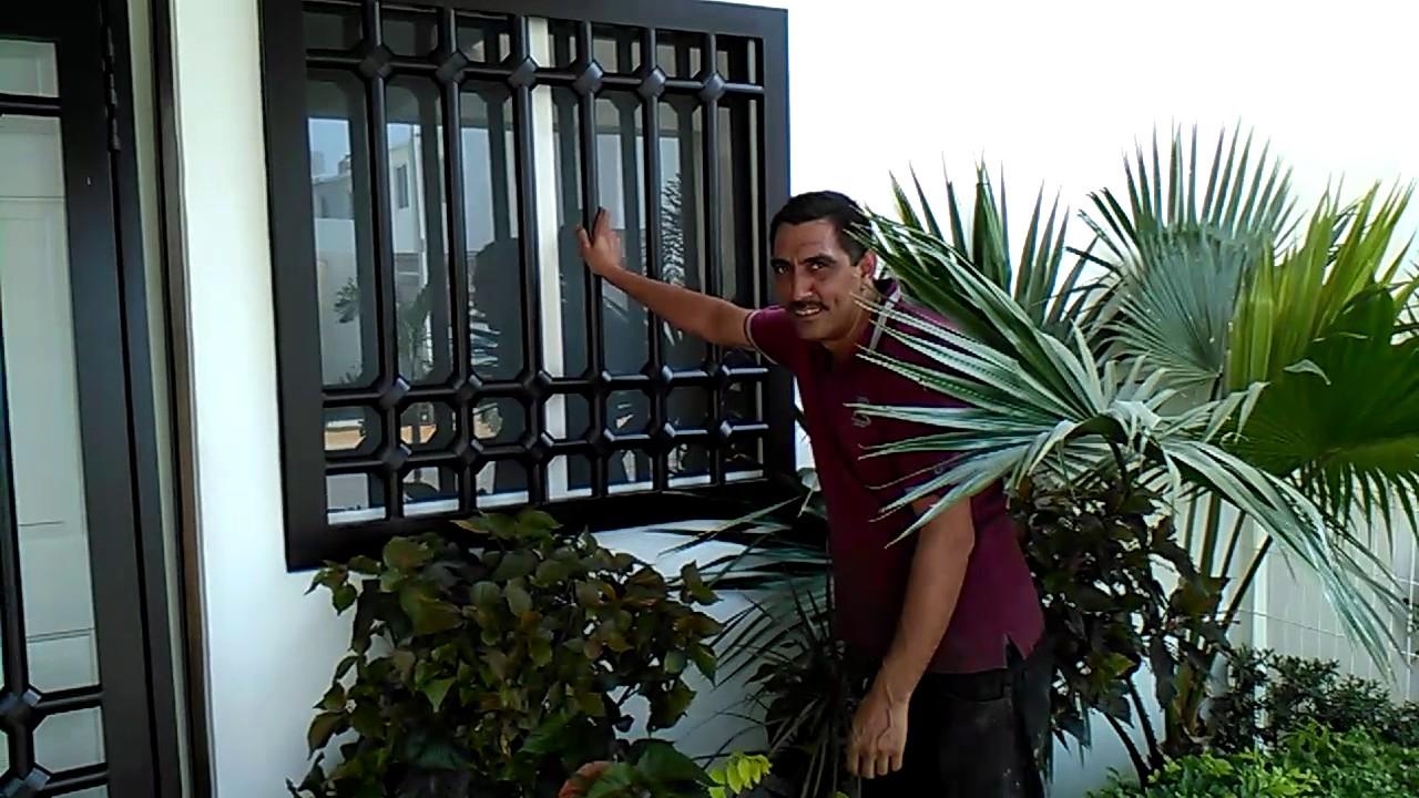 105 instalaci n de protecciones modernas youtube for Puertas decorativas para interiores