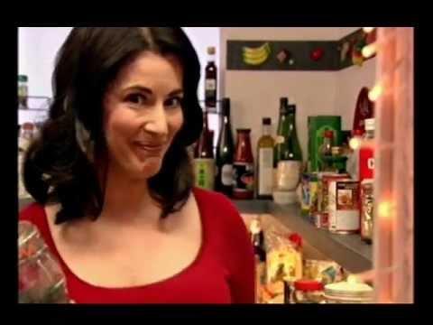 Download Youtube: Nigella Lawson: Chocolate Peanut Butter Fudge Sundae: Express