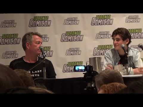 Gotham's Sean Pertwee & David Mazouz at Toronto Comicon - March 18, 2017