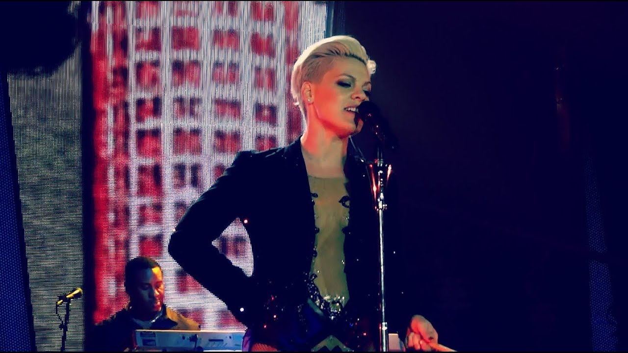 Download P!NK - TROUBLE - THE TRUTH ABOUT LOVE TOUR - MUNICH GERMANY  MAY 19