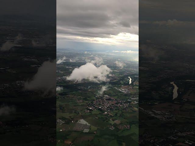 Rückflug von Bucarest Rumänien nach Bergamo Italien mit A320 von Ryanair.