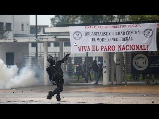 <span class='as_h2'><a href='https://webtv.eklogika.gr/kolomvia-diadiloseis-kata-tis-kyvernisis-ntoyke' target='_blank' title='Κολομβία: Διαδηλώσεις κατά της κυβέρνησης Ντούκε'>Κολομβία: Διαδηλώσεις κατά της κυβέρνησης Ντούκε</a></span>