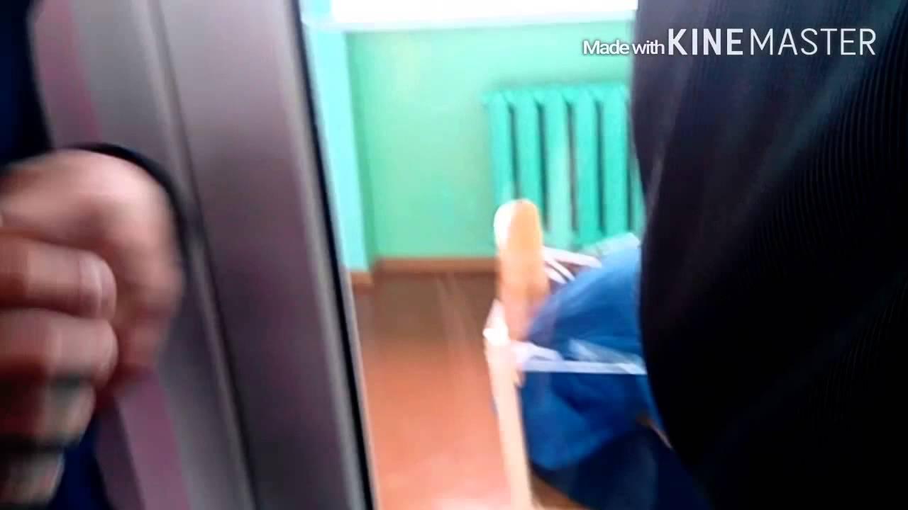 3 окт 2017. В пресс-службе администрации чунского района иркутской области сообщили, что 29 сентября в школе №90 ранее судимый за кражу подросток бросил стул в учителя. Предмет попал пожилому мужчине в висок, в результате чего тот потерял сознание. Врачи диагностировали у него.