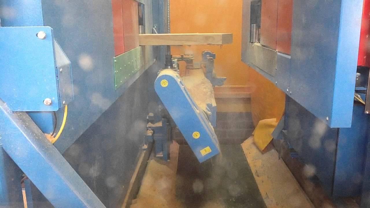 Hundegger Robotdrive 125 Treppenwange Abbinden Youtube