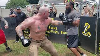 NEO NAZI VS CRIP  HEAVY WEIGHT BOXING KNOCKOUT!!!!