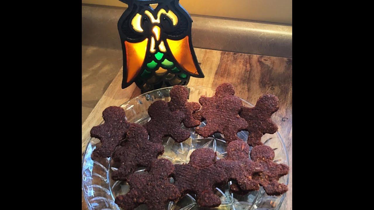 Low Fat Raw Vegan Gingerbread Cookies -dehydrator series - YouTube