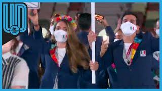 La delegación mexicana desfiló en la recta final de la inauguración. Los atletas que acudieron a la ceremonia fueron liderados por la golfista Gaby López y el clavadista Rommel Pacheco