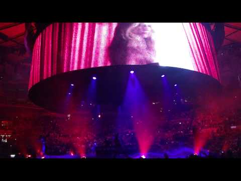 Britney Spears - The Circus Tour - Madison Square Garden - Opening / Circus HD