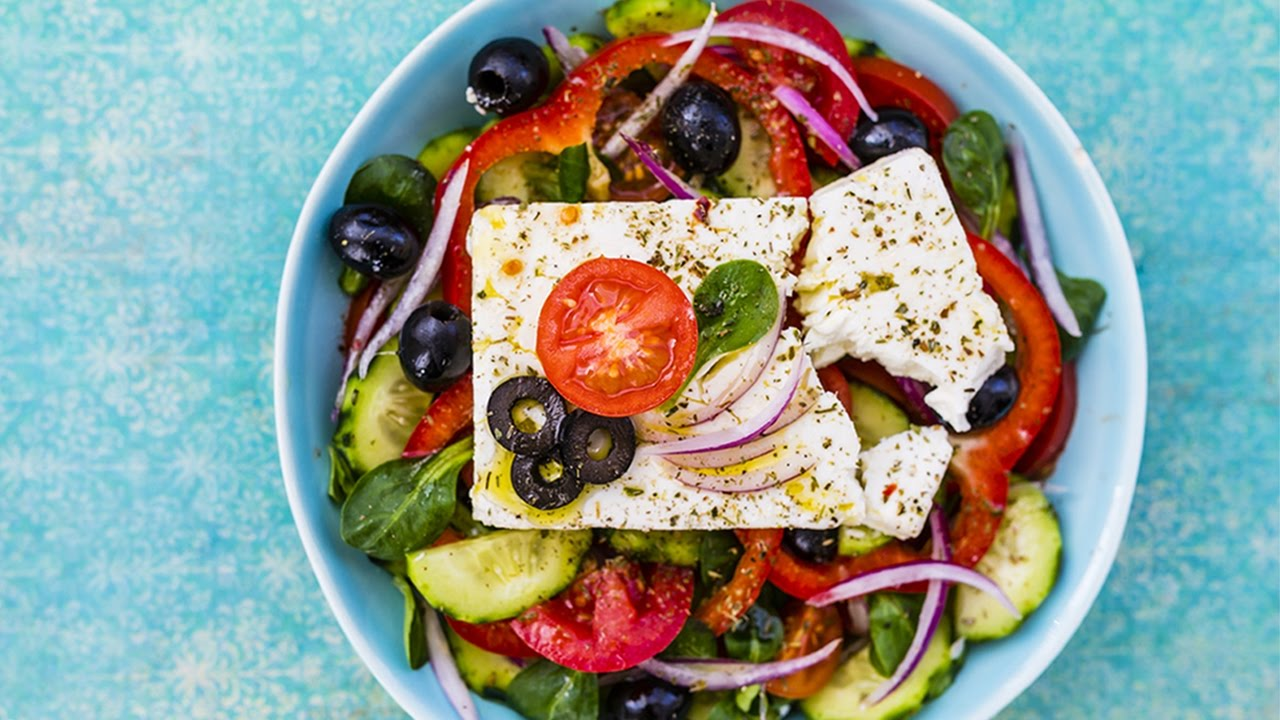 How To Make Traditional Greek Salad Howtobasic