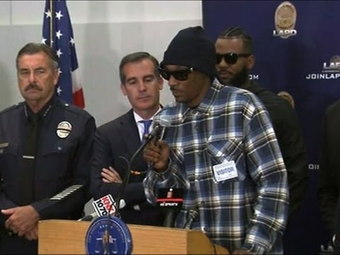 Snoop Dogg, The Game march to LAPD