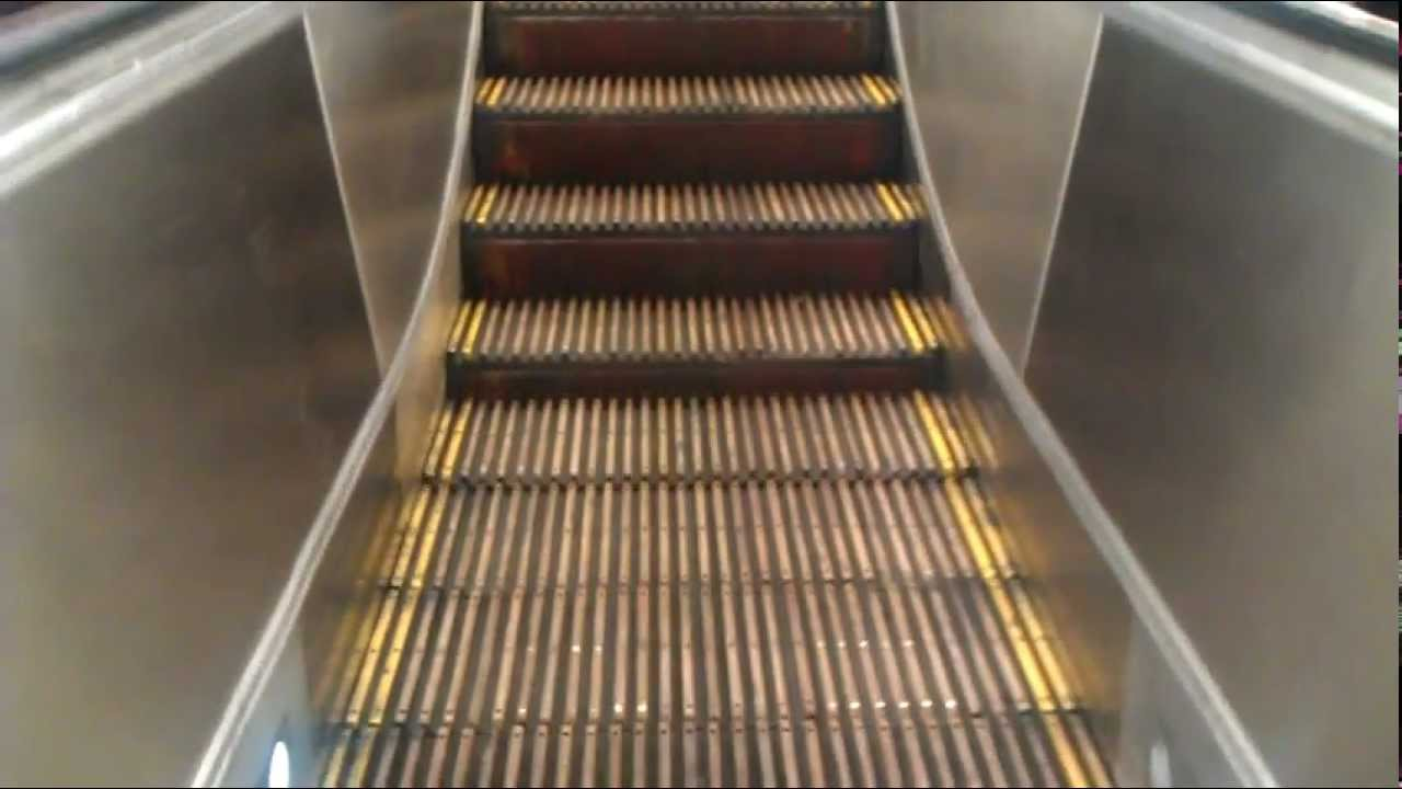 Wooden Step Escalators At Cityrail Town Hall Station Youtube