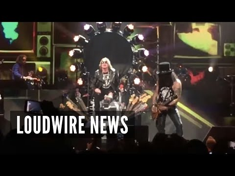 With Broken Foot, Axl Rose Rocks Vegas Guns N' Roses Shows