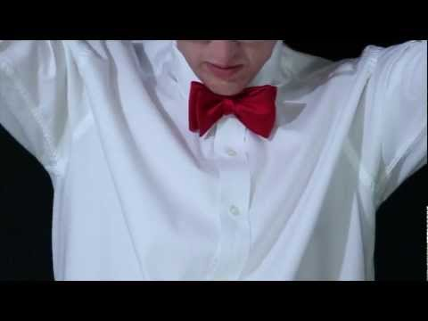 Tying a Bow Tie - Step by step