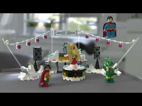 The Justice League Anniversary Party - LEGO Batman Movie - 70919 Product Feature