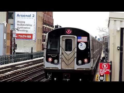 R160B W train leaves 30th avenue