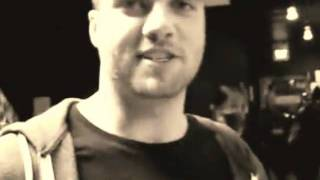 Rian Dawson says hello to me. Thumbnail