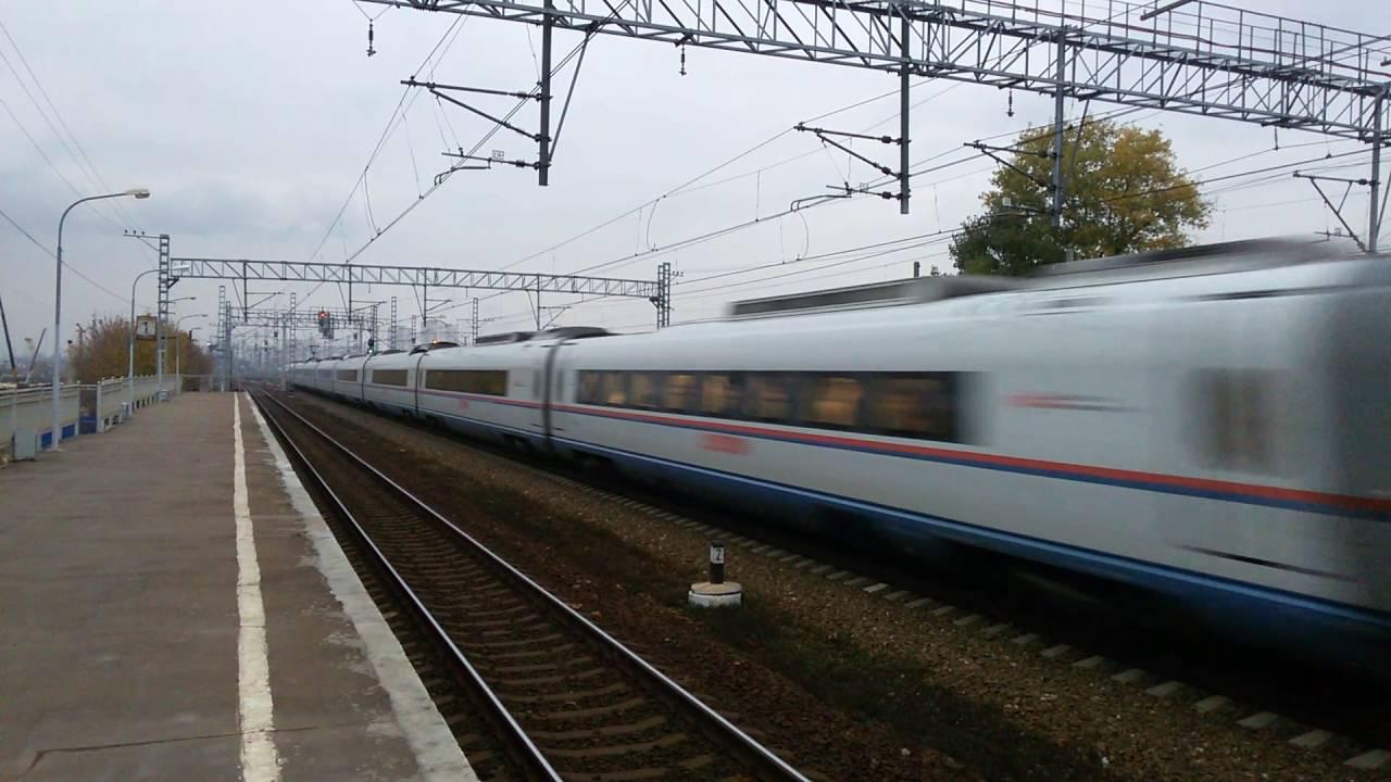 Высокоскоростной элекропоезд «сапсан» — пожалуй, самый удобный способ попасть из москвы в санкт-петербург. Состав преодолевает расстояние между ленинградским вокзалом в москве и московским вокзалом в санкт-петербурге за 3,5 — 4 часа. На onetwotrip вы легко сможете купить билет на.